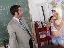 Stevie Shae & Daniel Hunter in Naughty Bookworms