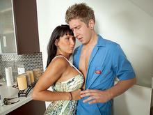 Lezley Zen & Danny Wylde in Seduced by a cougar